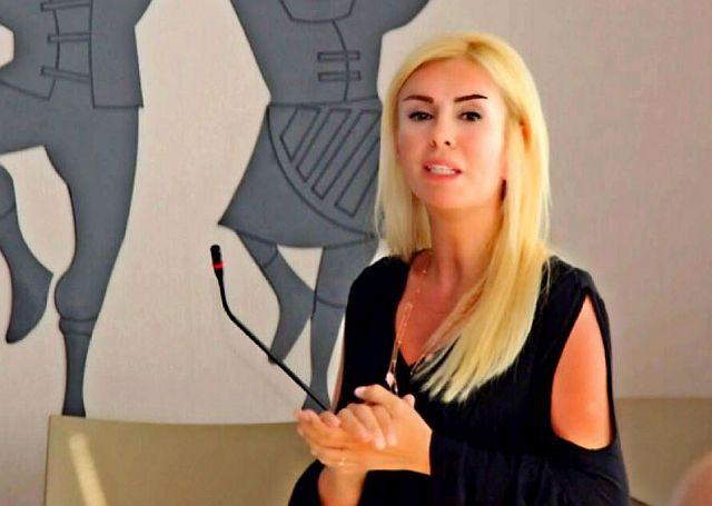 Pınar Holt, ''Okullar Açılırken'' Yazısıyla Aileleri Uyardı