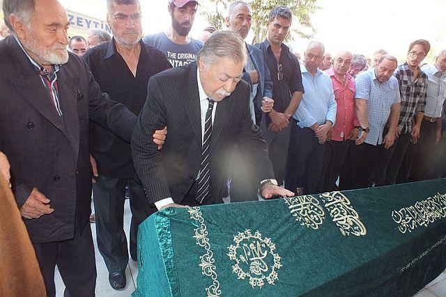 Zeytinburnu'nun Aşığı İsmail Azeri (Cengiz) Son Yolculuğuna Uğurlandı