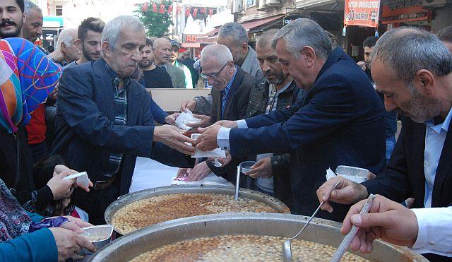 Güngören MHP Aşure Bereketinde Güngörenlilerle Bütünleşti