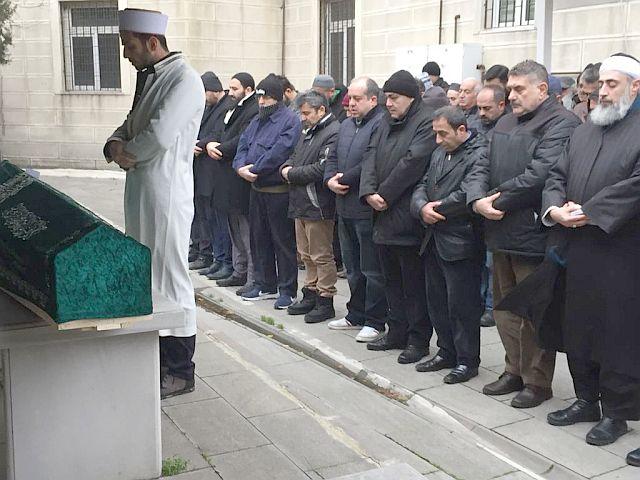 Mustafa Biçer Sevenlerini Geride Bırakarak Hakk'a Yürüdü