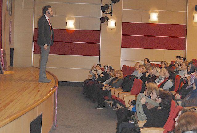 Prof. Dr. Mehmet Şevki Sözen Aile İçi İletişimin Önemini Bahçelievler Kadın Meclisiyle Paylaştı