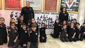 Yahya Çavuş İlkokulu Öğretmenlere Şiddete ''Hayır'' Diyerek Karalar Bağladı