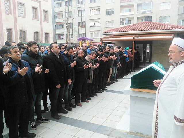 Ahmet Alsancak ebedi yolculuğuna dualarla uğurlandı