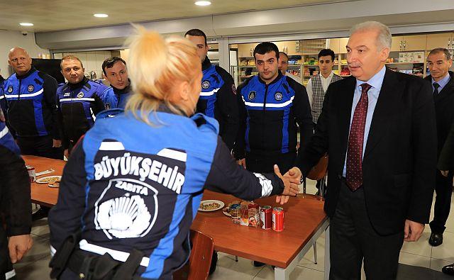 İBB Başkanı Uysal yeni yıla denetim ziyareti yaparak girdi