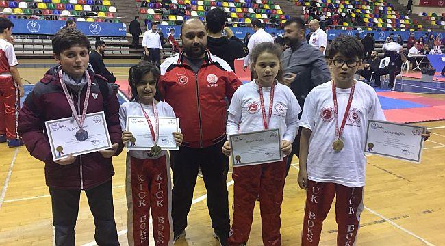 Mehmet Yalçın Spor Kulübü, İstanbul'da Madalyaları Topladı
