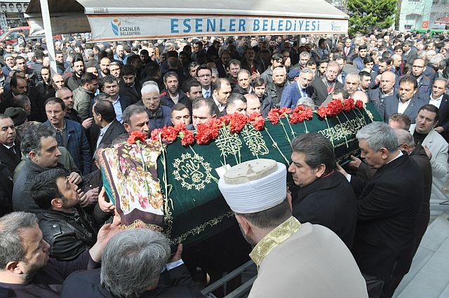 Esenler İlknur Kaba'yı göz yaşı ve dualarla uğurladı