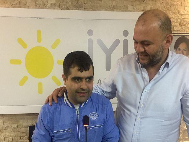 Emektarımız Erman Sağlam'ın kürsü mikrofon heyecanına Gökhan Yiğit ortak oldu