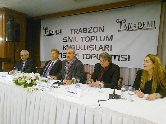 Trabzon'lular Trabzon'u ve Trabzon'luluğu  kaybetmemek için kolları sıvadı