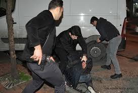Ev hırsızlığının peşini bırakmayan polis, çeteyi hücre evinde çökertti