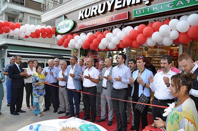Hatmi Bakliyat Baharat ve Kuruyemiş satış mağazası dualarla açıldı