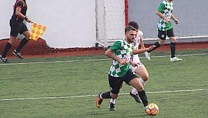 Güngören Belediyespor  Üsküdar Anadol'yu kendi evinde 3-0 yıktı
