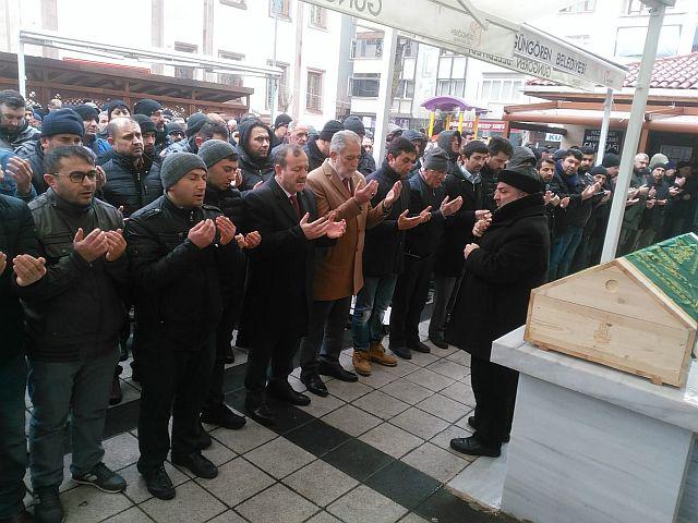 Kızılkaya Kardeşler babaları Mustafa Kızılkaya yı dualarla hak yoluna uğurladı.