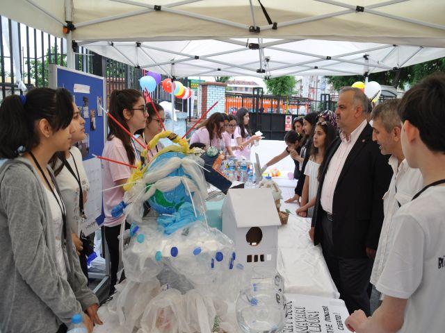 Bülent Ecevit Ortaokulu Bilim şenlğiyle geleceğin bilim adamlarını yetiştiriyor