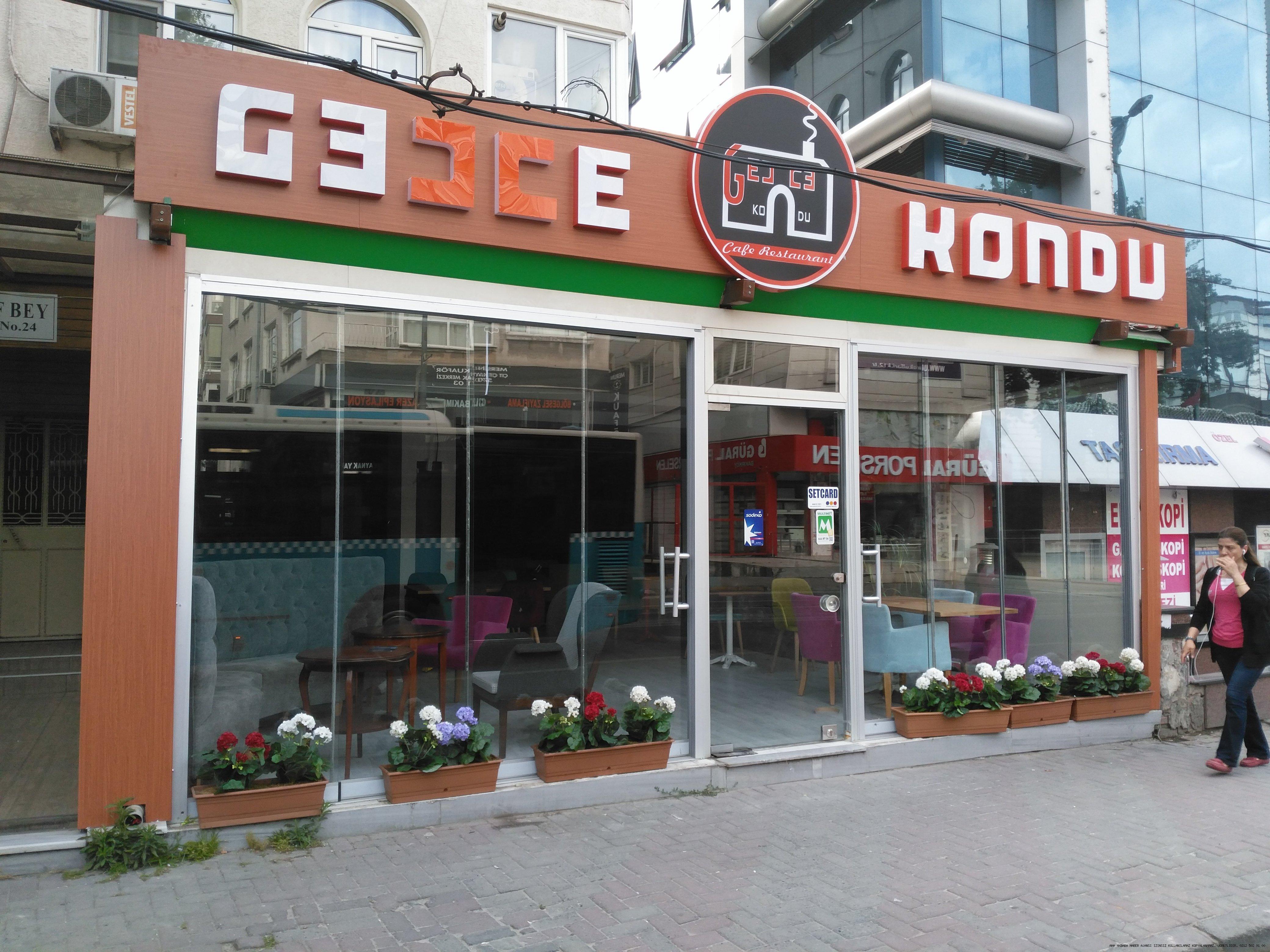 Gecce Kondu cafe restaurant Bakırköyde kapılarını hizmete açtı