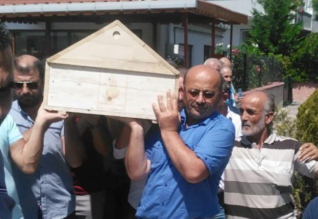 Cavit Tozlu dostlarının omuzunda dualarla son yolculuğuna uğurlandı