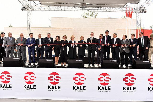 3S Kale Holding Sılahi rahime borcunu Cumhuriyet meydanı ile bir kez daha ödedi