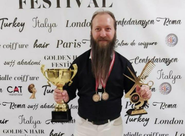 Altınmakas Rıdvan Özçelik madalyalara doymuyor