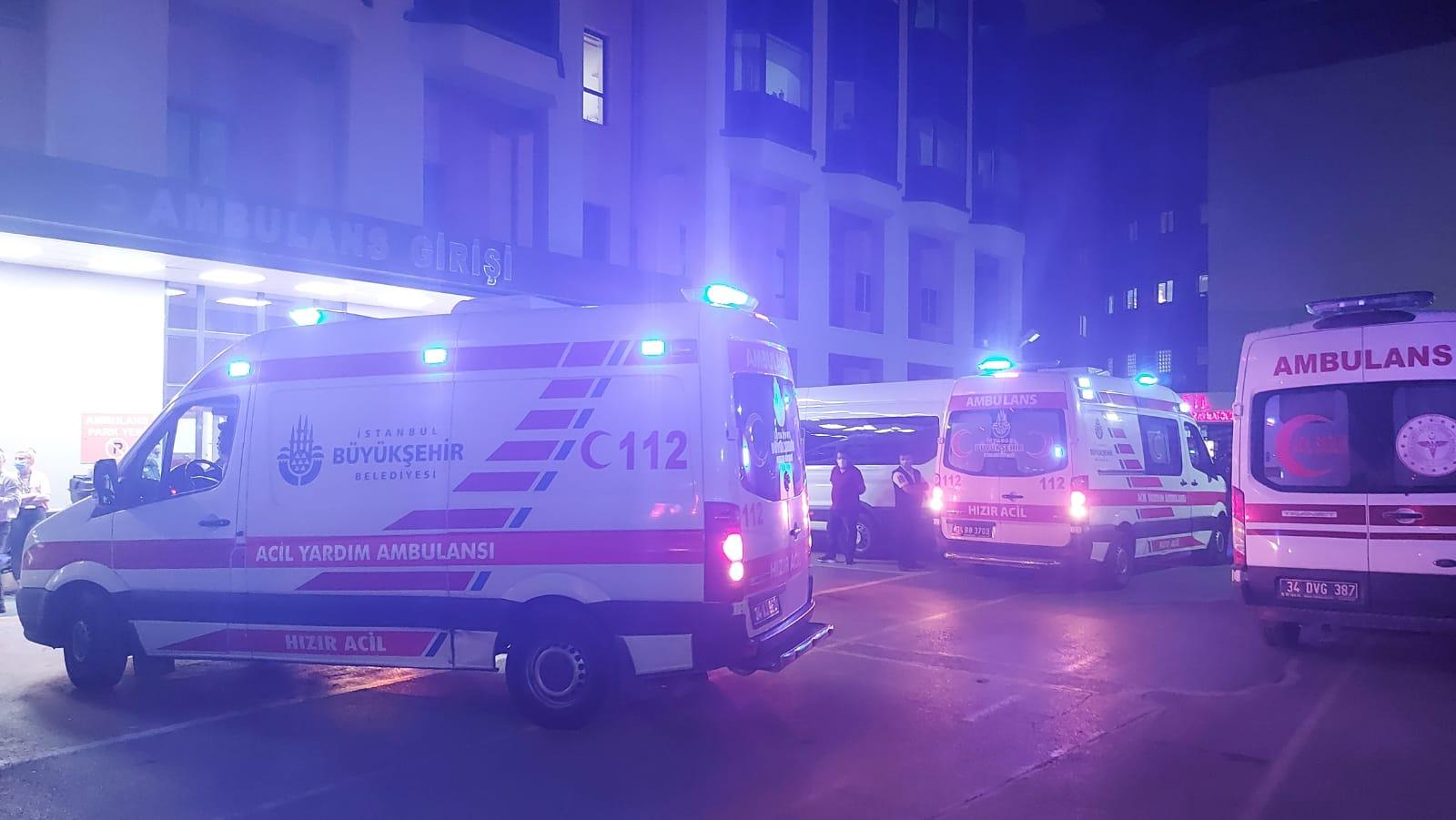 Bağcılar'da 112 çalışanına bıçaklı saldırı, 2 kişi yaralı