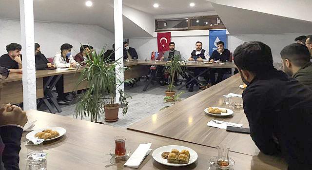 Deva Partisinin Gençlik başkanı Cihat Faruk Aydın ve A takımı Arnavutköy'e çıkartma yaptı