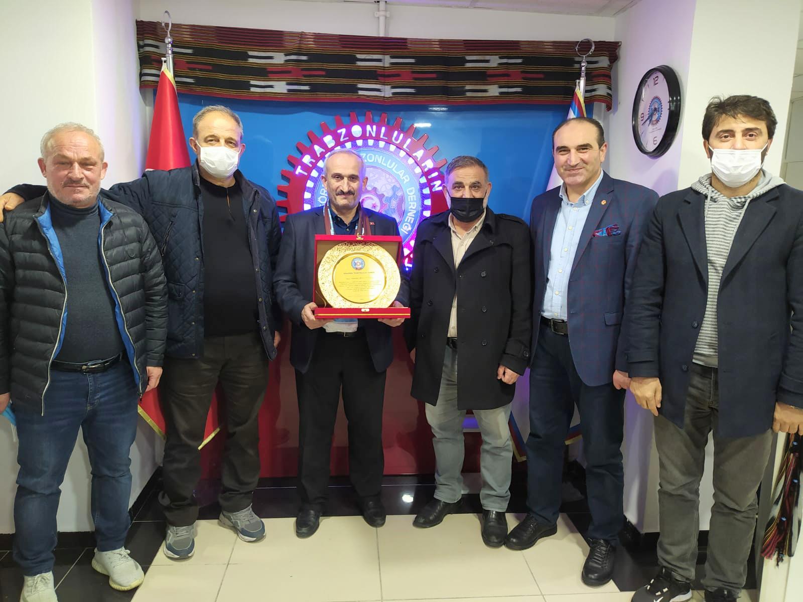 Güngören Trabzonlular Derneği yılın öğretmeni Alaattin Bulutoğlu dedi