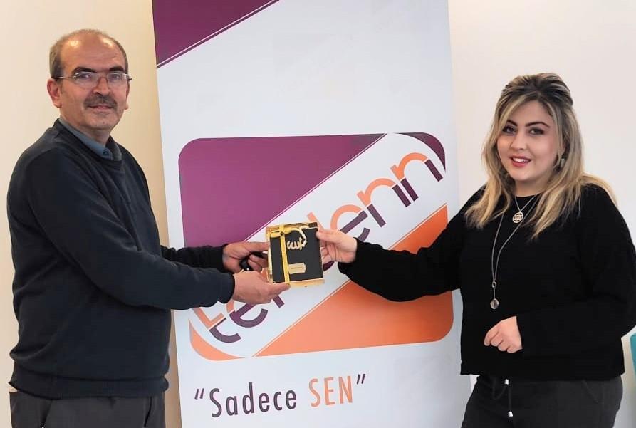 Tendenn.com, Aysel Aydilek'e ilk tebrik Mesimder'den geldi