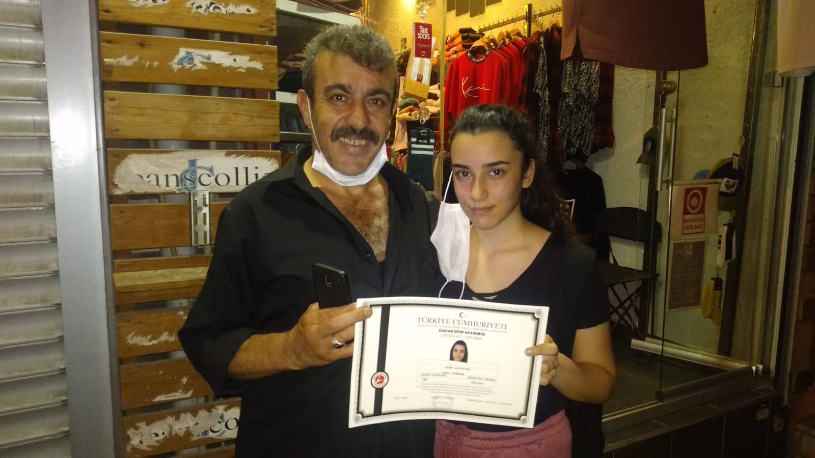 Türkan Yıldızhan'ın Kickboks Kuşak imtihan başarısı kıskandırdı