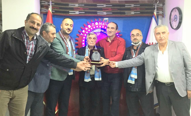 Yılın muhtarı Haznedar mahalle muhtarı Özcan Akkoyun ilan edildi